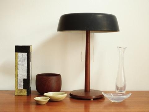 bordslampa svart med teak_slider